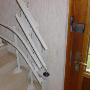 handicare Minivator Treppenlift Klappschiene
