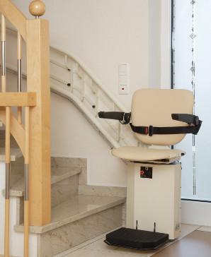 Treppenlift: Treppensteigen per Knopfdruck