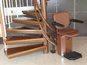 Treppenlift für Wendeltreppen: Wendeltreppenlift